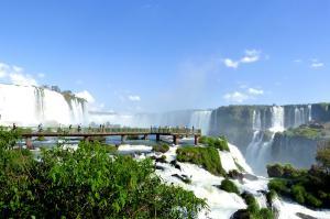 Brasilien  -  Naturparadiese und barocke Juwelen