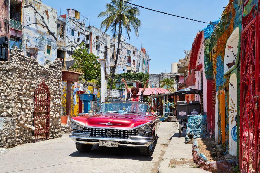 Kuba - Zentralkuba stilvoll im Oldtimer