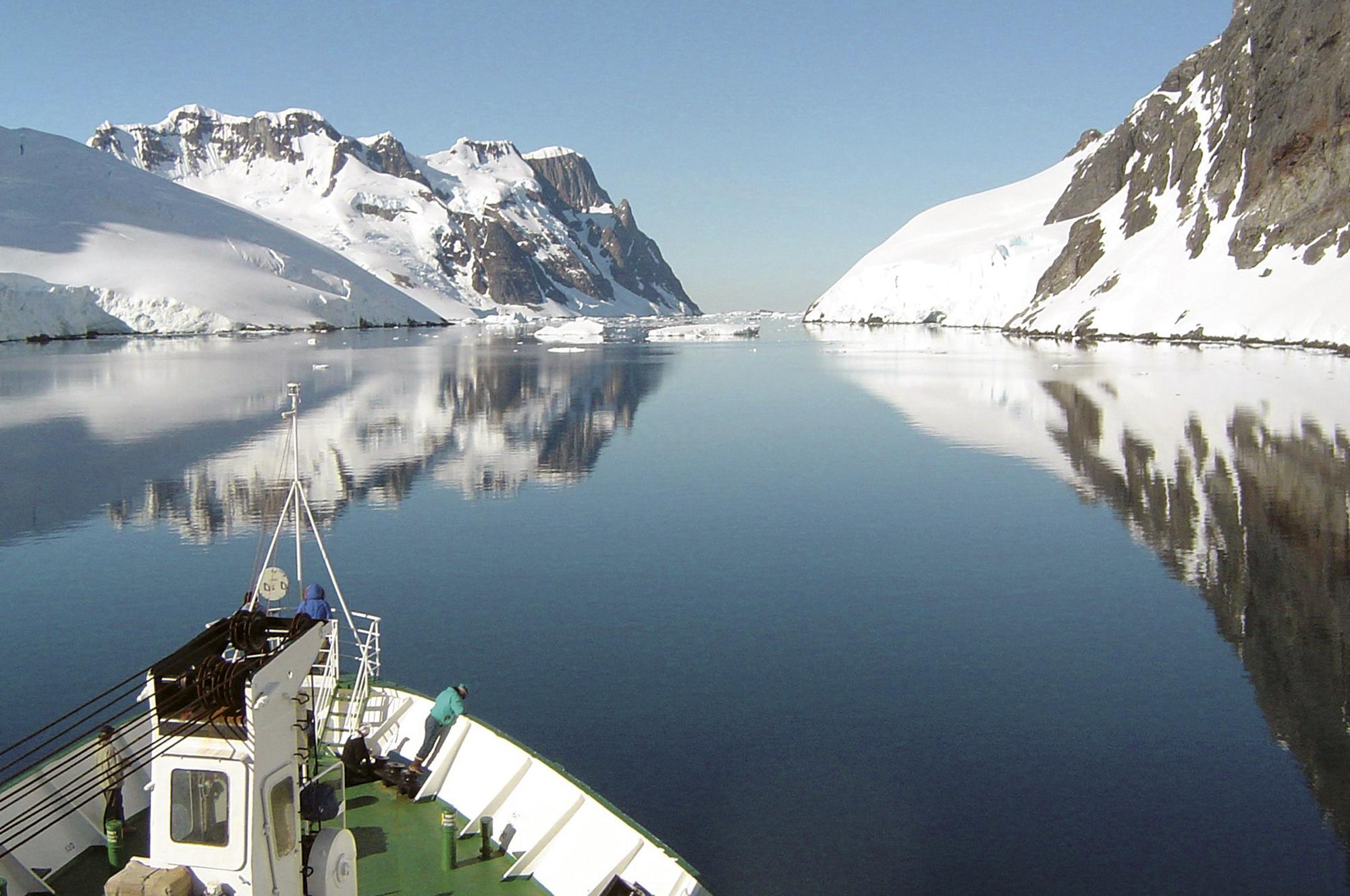 MS ISLAND SKY - Antarktische Halbinsel - Über den Polarkreis